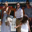 La chanteuse Jennifer Lopez et son ex-mari Marc Anthony vont chercher leur fille Emme à l'école, à Los Angeles, le 19 juin 2013.