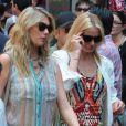 Cameron Diaz et Kate Upton lors du tournage de The Other Woman à Chinatown, New York, le 24 juin 2013.