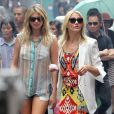 Cameron Diaz et Kate Upton en actions sur le tournage de The Other Woman à Chinatown, New York, le 24 juin 2013.