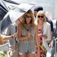 Cameron Diaz et Kate Upton pendant le tournage de The Other Woman à Chinatown, New York, le 24 juin 2013.