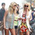 Cameron Diaz et Kate Upton complices sur le tournage de The Other Woman à Chinatown, New York, le 24 juin 2013.