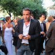 Jean Dujardin au mariage civil de Thomas Langmann et Céline Bosquet la mairie de Sartène, Corse du sud, le 21 juin 2013.