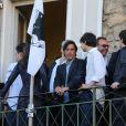 Yvan Attal et son fils au mariage civil de Thomas Langmann et Céline Bosquet à la mairie de Sartène, Corse du sud, le 21 juin 2013.