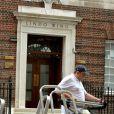 Les médias sont déja en place devant le St Mary's Hospital de Paddington à Londres, en vue de l'accouchement de Kate Middleton.