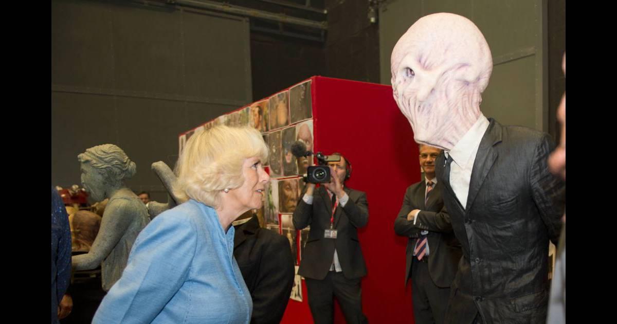 Rencontre avec extraterrestres rose c