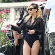 Rihanna, en maillot de bain, à Monaco. La chanteuse américaine rejoint son yacht sur le port Hercule, le 12 juillet 2013