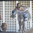 Gwen Stefani passe l'après-midi avec ses fils Zuma et Kingston à la plage, à Malibu, le 13 juillet 2013.