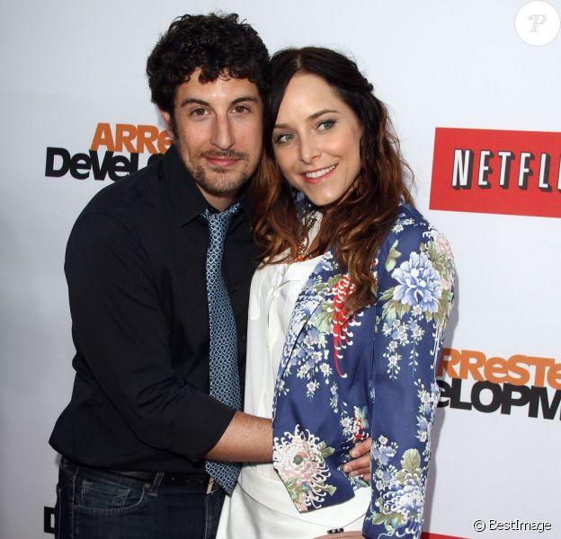 Jason Biggs et Jenny Mollen à Hollywood, le 29 avril 2013.