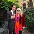"""Robin Gibb et sa femme Dwina à leur manoir """"The Prebendal"""", le 5 septembre 2009."""
