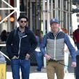 Jesse Tyler Ferguson et Justin Mikita dans les rues de New York le 6 mai 2013.