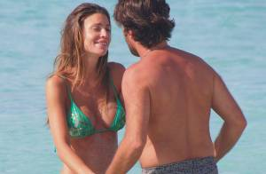 Claudia Galanti : Craquante en bikini, elle se détend avec son chéri