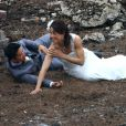 Un couple de mariés sur le tournage de Transformers 4 à Detroit, le 31 juillet 2014.