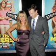 Jennifer Aniston et son partenaire Jason Sudeikis lors de l'avant-première du film Les Miller - une famille en herbe à New York le 1er août 2013