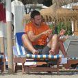 Eva Longoria et son petit ami Ernesto Arguello pendant leurs vacances à Marbella, le 4 août 2013.