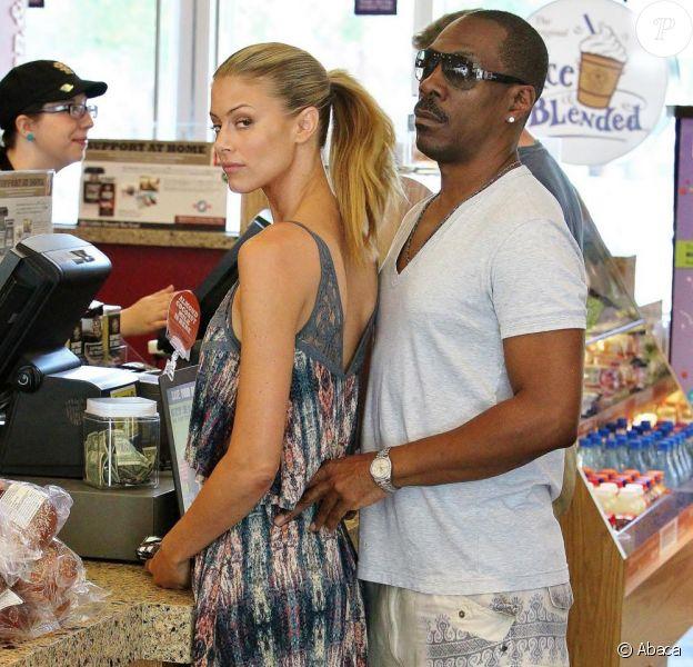 Eddie Murphy de sortie avec sa petite amie Paige Butcher à Los Angeles, le 9 août 2013.