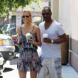 Eddie Murphy et sa petite amie Paige Butcher en virée dans les rues de Los Angeles, le 9 août 2013.
