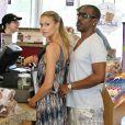 Eddie Murphy de sortie avec sa petite amie Paige Butcher dans les rues de Los Angeles, le 9 août 2013.