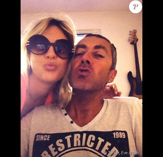 Eve Angeli et Michel posent sur Twitter, ils fêtent leurs 15 ans d'amour le mardi 13 août 2013.