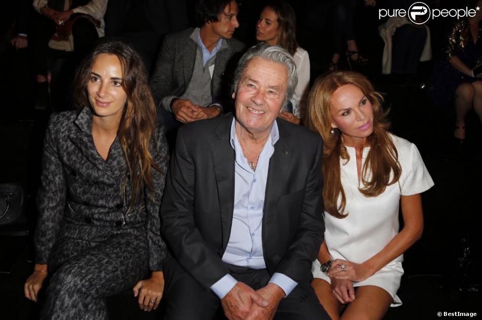 Alexia Niedzielski, Alain Delon et Rosalie Van Breemenà Paris le 3 octobre 2012.