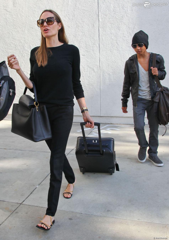Angelina Jolie Et Son Tr S Styl Fils Maddox L 39 A Roport De Los Angeles Le 15 Aout 2013