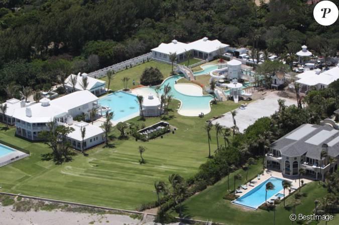 La chanteuse c line dion met en vente sa magnifique maison for Villa de celine dion en floride