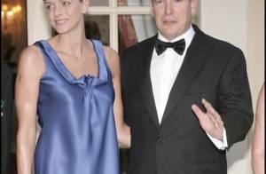PHOTOS : Ouf ! Charlène est de nouveau au bras de son prince Albert !