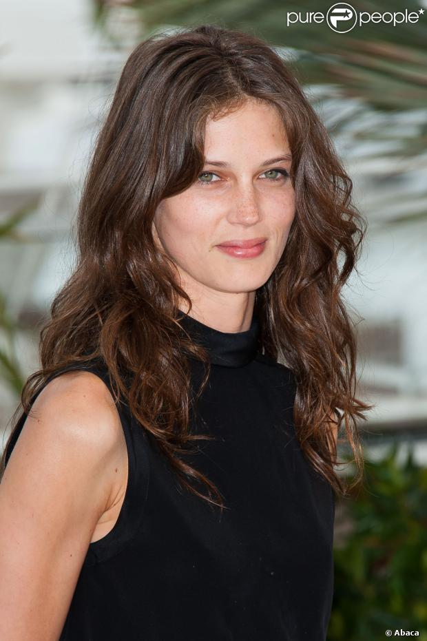 marine vacth sur le plateau du grand journal de canal le 17 mai 2013. Black Bedroom Furniture Sets. Home Design Ideas