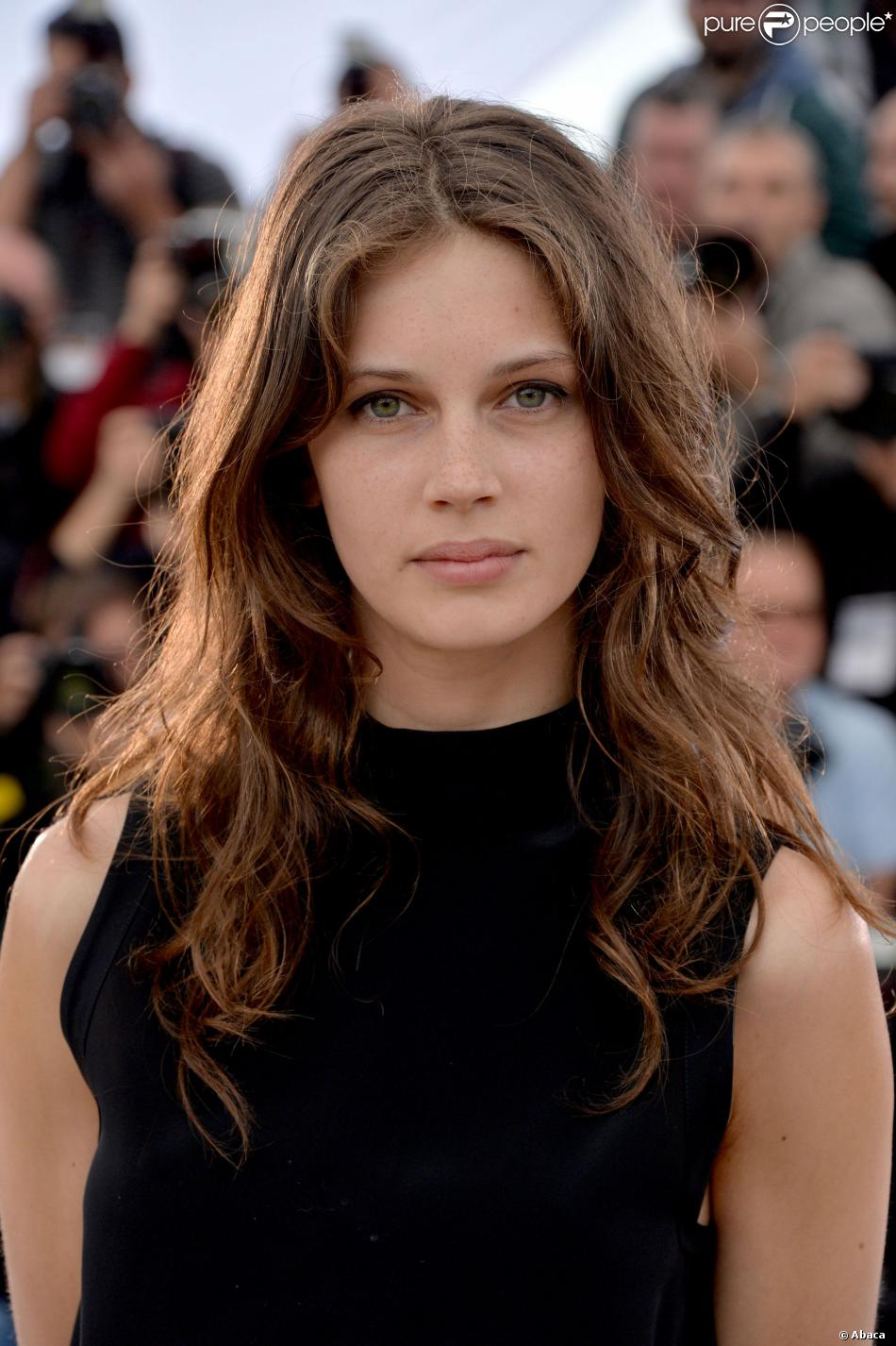 marine vacth la perle de jeune et jolie est amoureuse purepeople. Black Bedroom Furniture Sets. Home Design Ideas