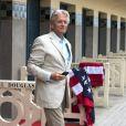 Michael Douglas inaugure sa cabine sur les planches de Deauville, le 31 août 2013.