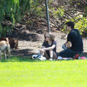 Amanda Seyfried et Justin Long en couple ? Une promenade bien romantique...