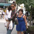 Isabella Cruise, Katie Holmes et Suri Cruise à New York, le 21 juin 2010.