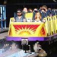 Exclusif - Le couple Aaron Paul et sa femme Lauren Parsekian s'amusent à Disneyland. Le 17 septembre 2013 en Californie.