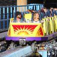 Exclusif - Aaron Paul et sa femme Lauren Parsekian s'amusent à Disneyland. Le 17 septembre 2013 en Californie.