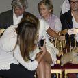 Pauline Ducruet distraite au premier rang du défilé Alexis Mabille lors de la Fashion Week parisienne, le 25 septembre 2013