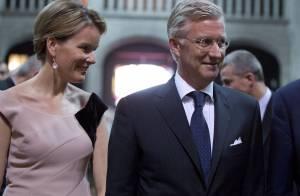 Philippe et Mathilde de Belgique : Élégants à l'église pour un concert hommage