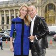 Sarah Marshall et Jean Claude Jitrois arrivent à la galerie sud est du Grand Palais pour assister au défilé Leonard printemps-été 2014. Paris, le 30 septembre 2013.