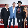 Danny Trejo, Mel Gibson, Robert Rodriguez et Alexa Vega lors de la première de Machete Kills aux Regal Cinemas de Los Angeles, le 2 octobre 2013.