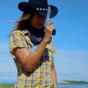 Zazie et son compagnon : Cow-boys dans ''Temps plus vieux'', leur nouveau clip