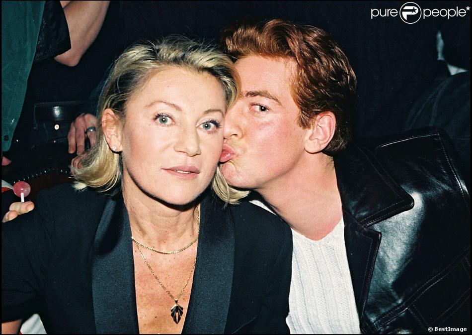 Sheila et son fils Ludovic, au Queen, à Paris, archives, janvier 1998.