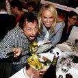 Willy Rovelli et Cécile de Ménibus lors de la 2ème édition du Pot-au-feu des célébrités au restaurant le Louchebem, organisée par les Fédérations des Artisans Bouchers d'Ile-de-France à Paris le 17 octobre 2013