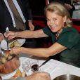 Sophie de Menthon lors de la 2ème édition du Pot-au-feu des célébrités au restaurant le Louchebem, organisée par les Fédérations des Artisans Bouchers d'Ile-de-France à Paris le 17 octobre 2013