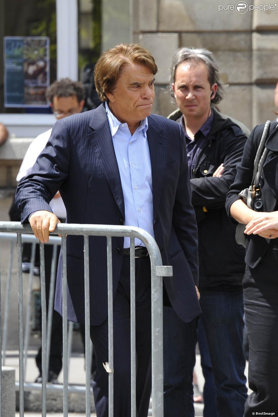 Bernard Tapie aux obsèques de Thierry Roland à Paris le 21 juin 2012.