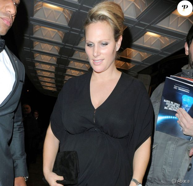 Zara Phillips, enceinte, au Dorchester Hotel de Londres le 30 octobre 2013 pour le gala British Olympic Ball.