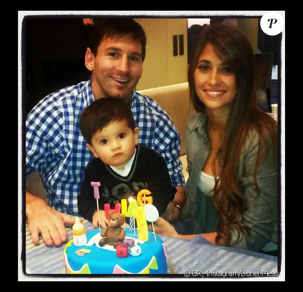 Lionel Messi et sa compagne Antonella Roccuzzo ont fêté dignement le 1er anniversaire de leur fils Thiago le 2 novembre 2013