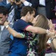 Andy Murray dans les bras de sa belle Kim Sears après avoir décroché l'or olympique lors des JO de Londres, le 5 août 2012