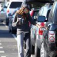 Alessandra Ambrosio récupère sa fille Anja à la sortie de son école. Los Angeles, le 5 novembre 2013.