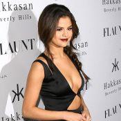 Selena Gomez sexy : Décolleté indécent pour la bombe face à Lily Collins