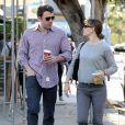 Ben Affleck et Jennifer Garner s'arrêtent au Starbucks de Santa Monica avant d'aller chercher leur fille Violet à l'école, le 7 novembre 2013.