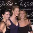 Courteney Cox, Lisa Kudrow et Jennifer Aniston à Beverly Hills le 12 décembre 2000