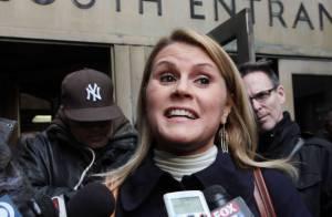 Alec Baldwin au tribunal : En larmes et moqué par sa harceleuse devant sa femme